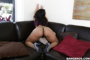 Cam clenches the cutie of deviant dear Ava Sanchez\'s arse