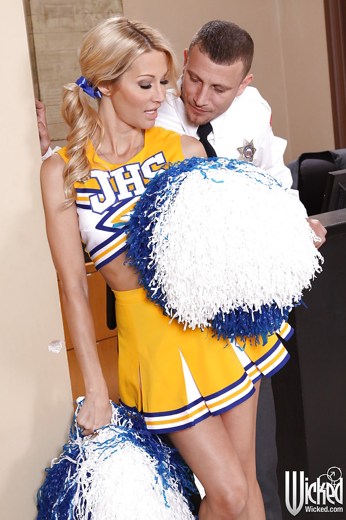 Stunning cheerleader gets shagged and takes a cumshot in her eager mouth