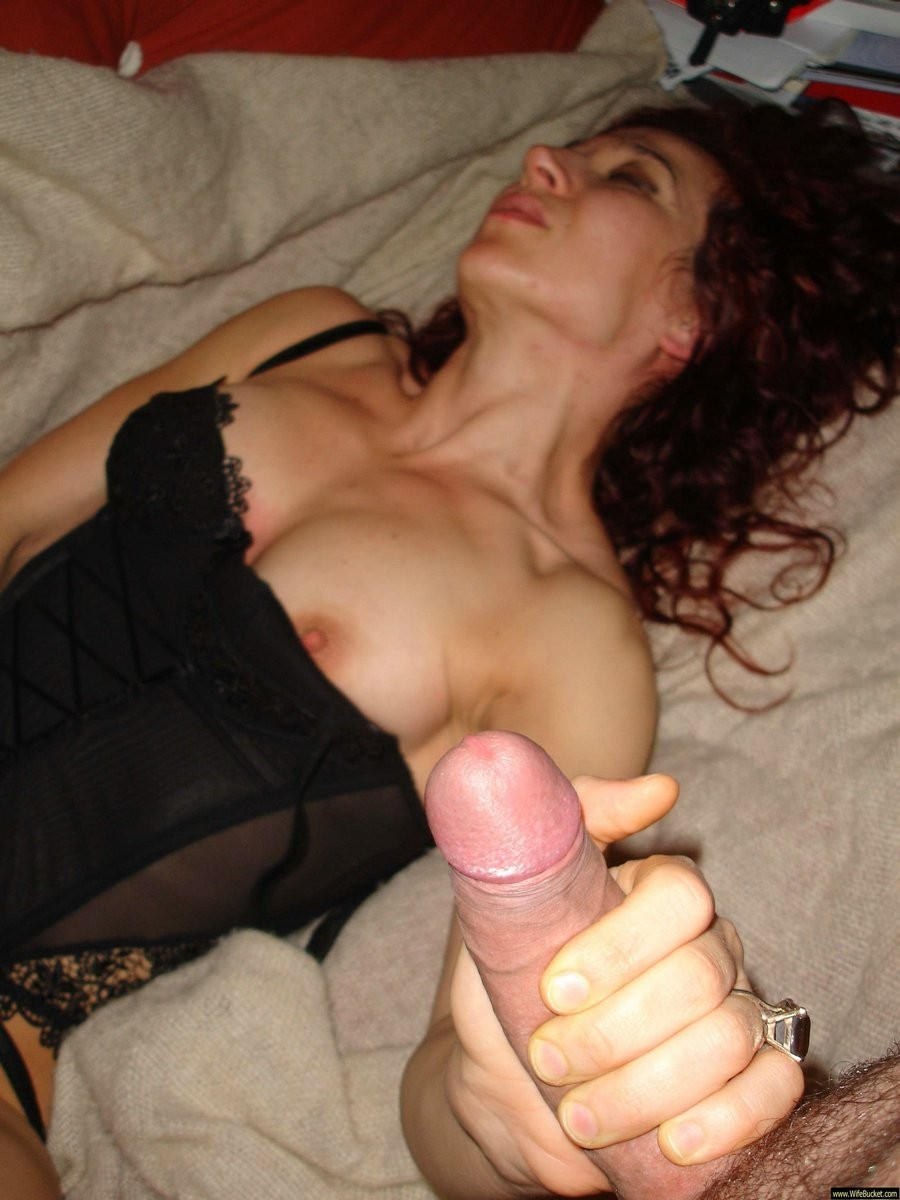 Milf-to-be acting enjoy a real whore