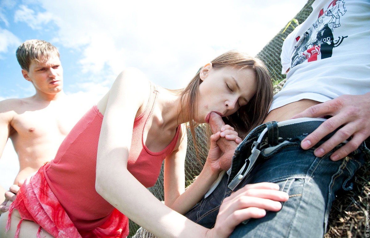 Sweaty beata undine obtains slammed outdoor by twofold fuck concupiscent stallions