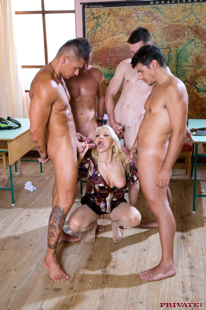 Malicious blond lea lexus ends up with four weenies in her entrance