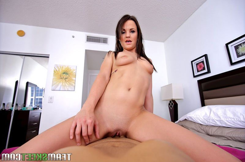 Brooklyn daniels copulates a weenie