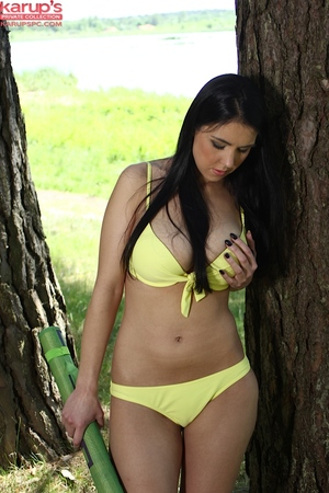 Infant pretty in wild yellow bikini Pernilla into jacking off outdoors