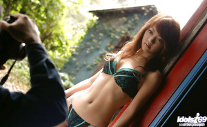Seductive eastern model Mai Kitamura revealing her sensible pointer sisters