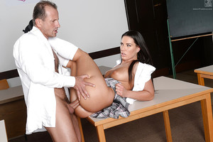 Gorgeous Euro schoolgirl Athina swelling young legs for muff lapping