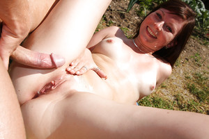 Grubby infant girl Jenny M gains her uterus licked and banged outdoor