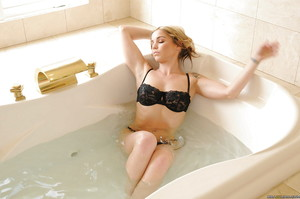 Hot juvenile pretty Sienna Milano penetrated in the bath and bedroom