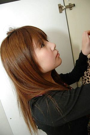 Shy nineteen asian pretty Mutsumi Kashiwagi uncovering her seductive crooks