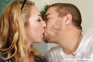 Golden-haired coed Zoe Parker having smooth on top slit licked and fingered