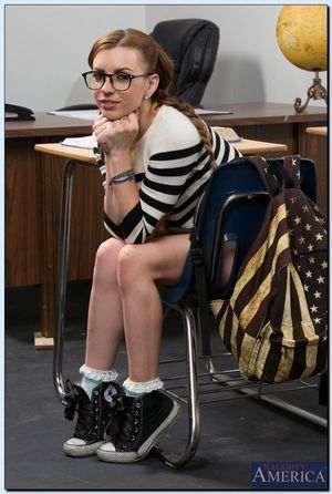 Foxy coed in glasses Lexi Belle striptease down in the classroom
