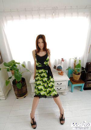 Изящный Восточной красотка Анари Сузуки Скольжения офф ее Костюм и белье