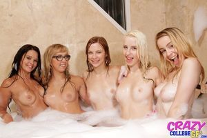 Adolescent wild coeds have sexual lesbo having benefit from gathered in the big shower