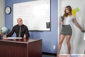 Young-looking secretary Jillian Janson is swallowing her boss\'s rod