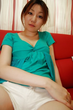 Chinese youthful Madoka Kanbe undressing and exposing her shaggy love-cage