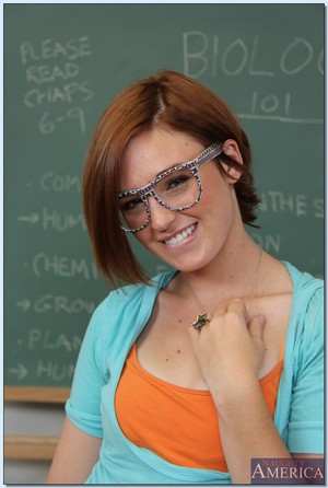 Foxy coed in glasses Jodi Taylor stripping off her garments in the kind