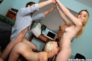 Close up groupsex with beautiful coed cowgirl Darcie and her partners