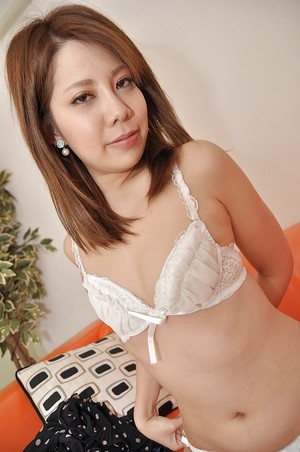 Oriental youthful Rina Wakui receives bare and enjoys cum-hole toying deed