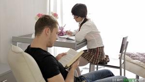 Nerdy girlfriend Mackenzie takes fissure from books to swallow boyfriend\'s stick