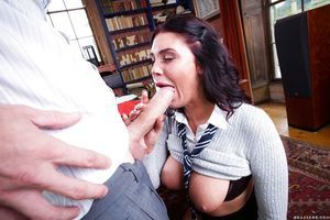 Infant whore Emma Leigh sucks off man while his sticky fairy-haired wife watches
