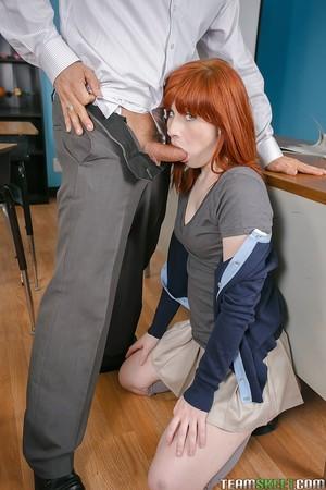 Redhead schoolgirl Sadie takes a weighty snake in her tense gullet
