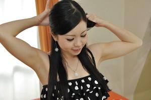 Asian teenage beauty with unshaved gash Mana Kikuchi taking bathroom