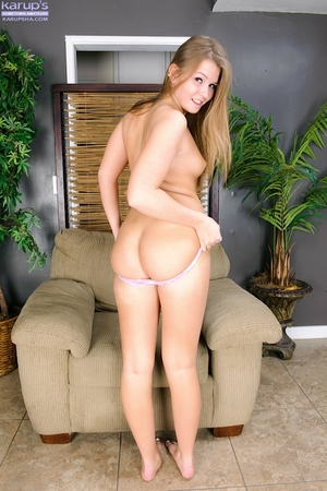 Amateur youthful queen Melissa May caresses she\'s and expands her crotch