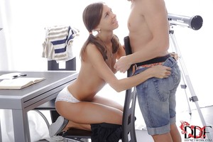 Gentle European pornstar Carte is licked and jizzed by her BF