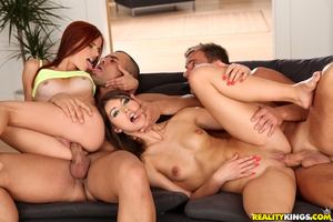 Close up groupsex features clammy European fresh chicks Susana Melo and Susan Ayn
