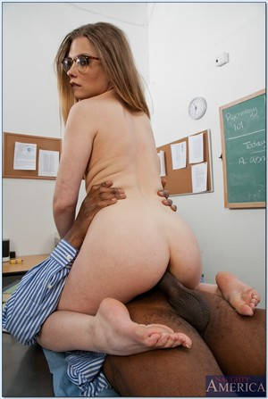 Spiteful coed in glasses Sasha Swift sucks and drills a enormous ebony shlong