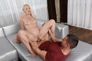 European blonde Lola Taylor reveals her amateur love-cage and tiny milk shakes