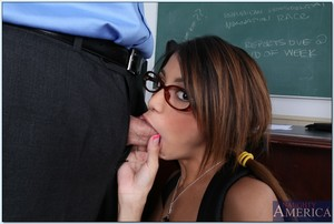 Muddy coed in glasses Veronica Rodriguez fucks her teacher\'s dick