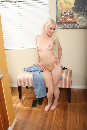 Fairy-haired slut with a bald cum-hole Rebecca Blue has her cum-hole shown in close up