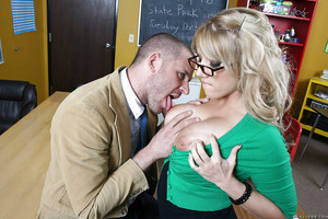 Fatty Heather Summers with mammoth love muffins is a perfect lusty schoolgirl