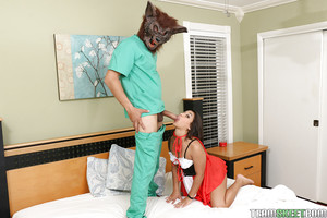 Latin hottie young Penny Nichols drapes self in cosplay outfit although giving bj