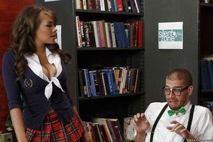 Permeated Latina schoolgirl Cassidy Banks gives pervert teacher a fellatio