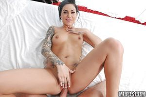 Tattooed cutie gives a blowjob anf purchases her shaved fur pie pumped tough