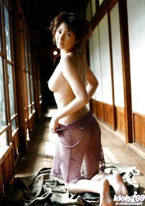 Teeny Chinese chicito Reina Mizuki revealing her miniscule pointer sisters and hairy gentile