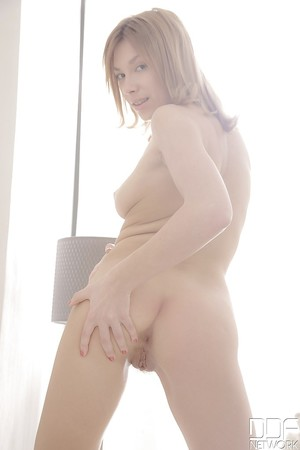 European amateur Karina D. hoses her delicious clammy outlet and cries out loudly