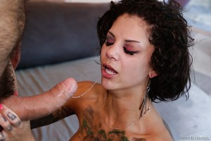 Pornstar Bonnie Rotten is blowing this giant wide prick!