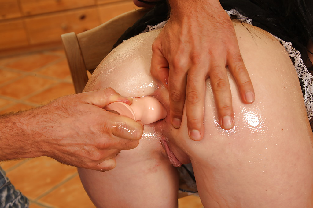 Kinky fetish model Isabella Clark takes weird anal insertions