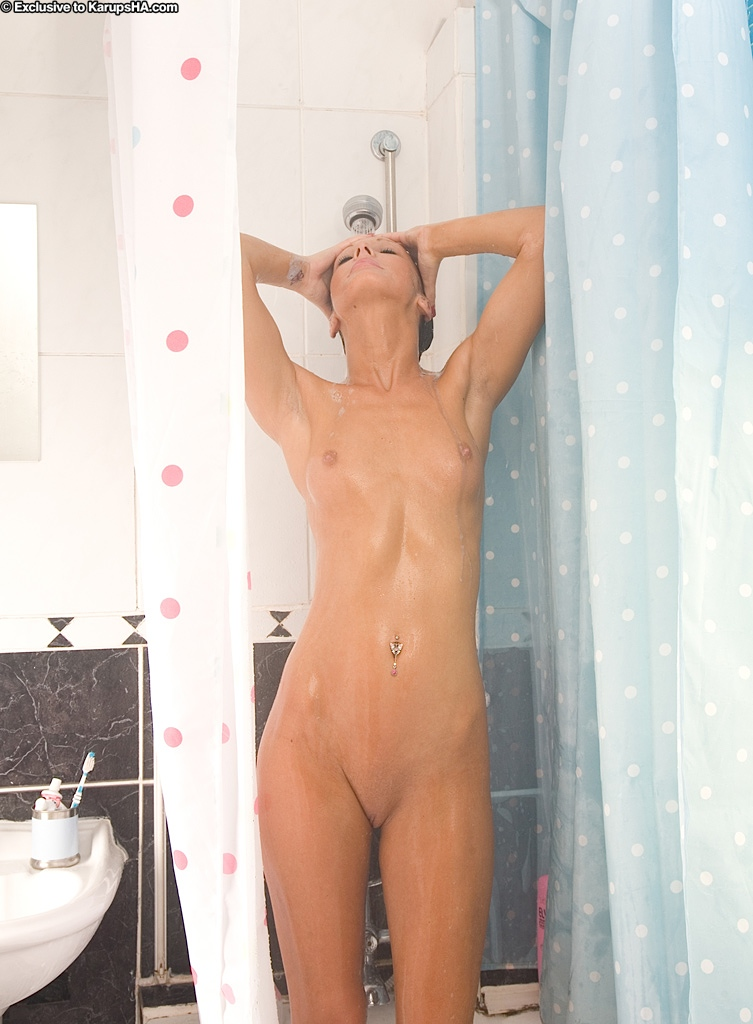 Amazing cute amateur babe Jade spreading and washing that cunt