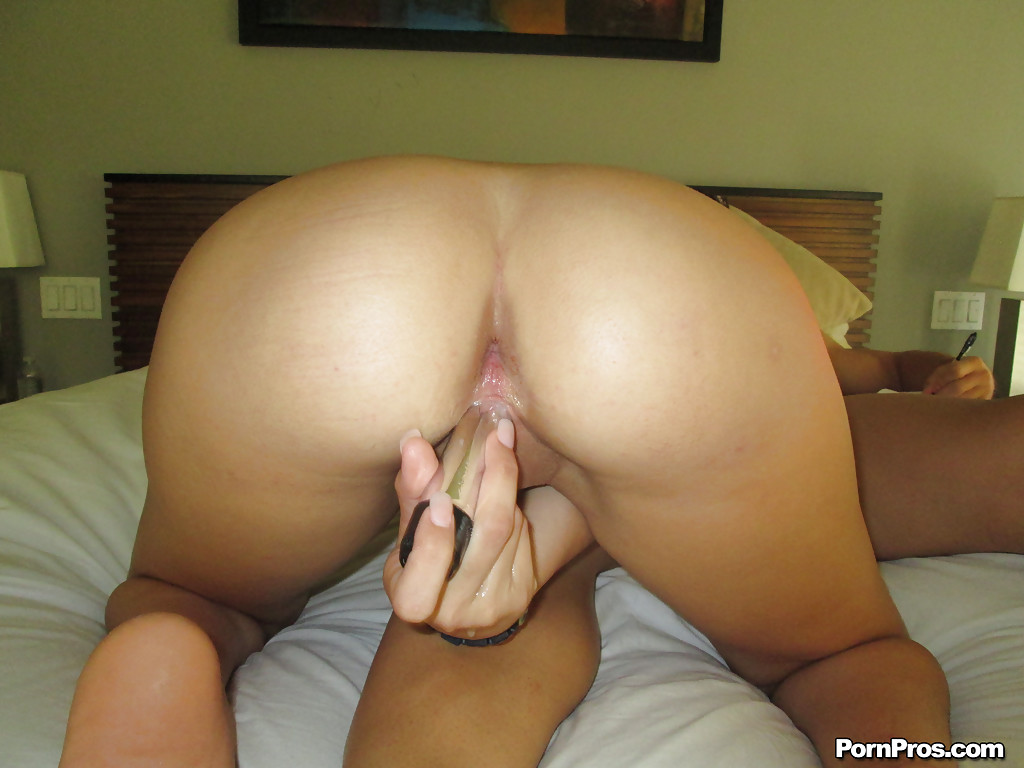 Skinny Latina teen Mandy Sky is enjoying an hardcore ass fucking action