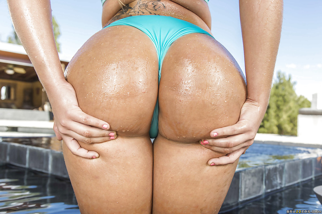 Big wet butts of sexy Latina Klara Gold are definitely amazing