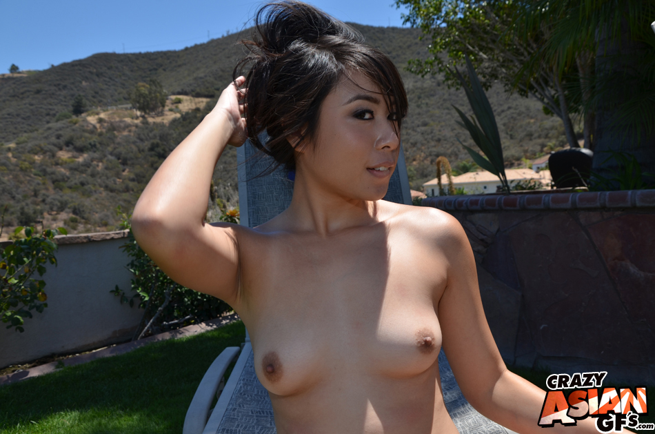 Amateur Asian beauty Maylee is demonstrating her tiny boobies!