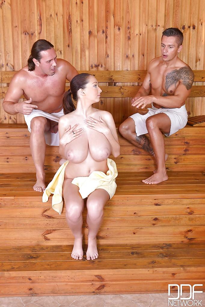 смотреть порно мама в бане
