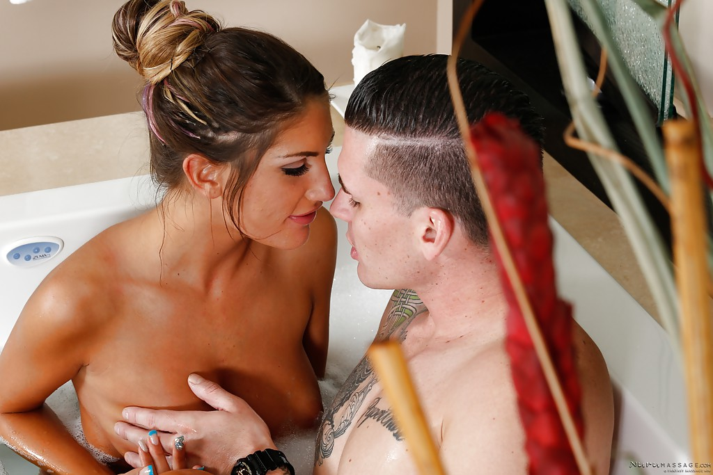 Outstanding babe with hardcore body August Ames is getting screwed