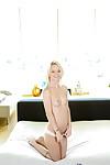Skinny blonde Sammie Daniels is stretching her stunning vagina