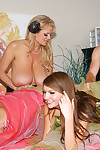 Ryan and kelly find dual amateur honeys for gangbang