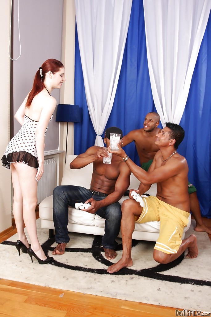 Slim teenage slut gets her cherry hole creampied after interracial foursome